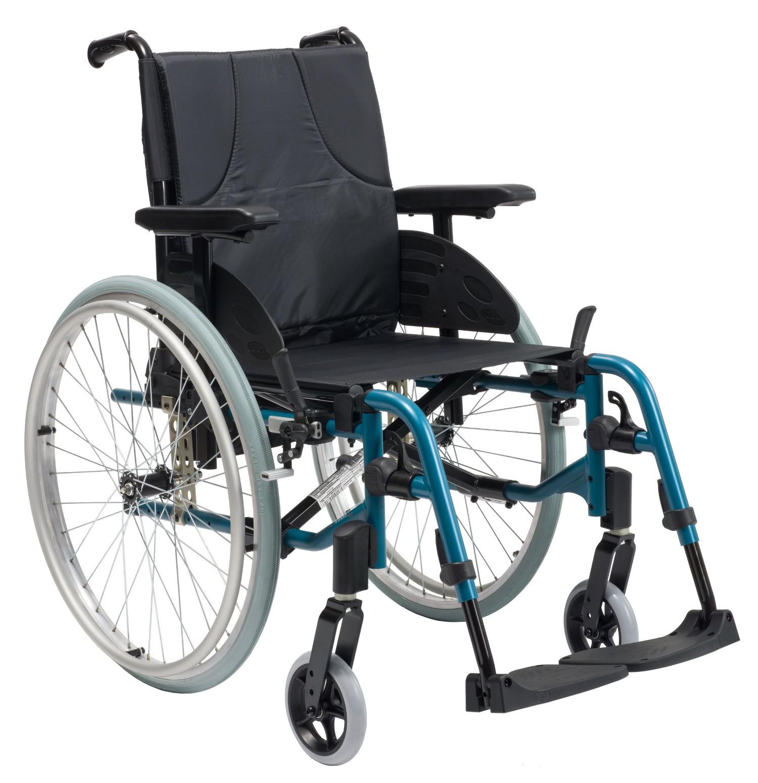 Carrozzina leggera per disabili e anziani Action 3 con ruotine passaggi stretti